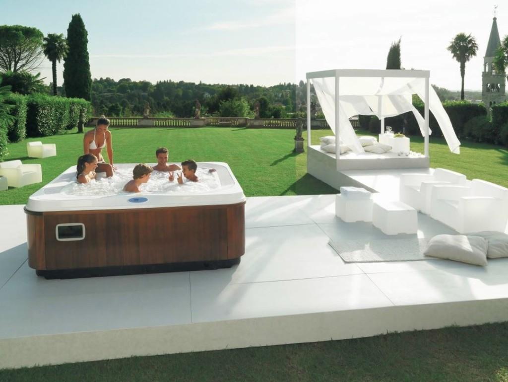 Italian Design Profile – duży basen ogrodowy dla 5-6 osób z miejscem leżącym, wymiary 235 x 211 x 93 cm